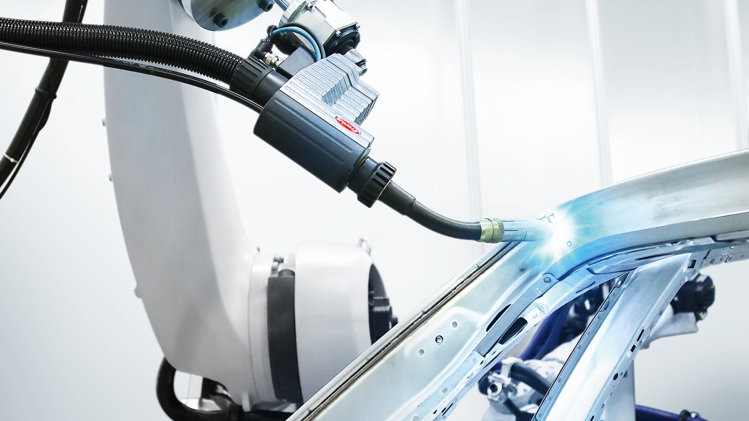 Cmt Welding Processes Technology Fronius Mig Process Diagram Extremely Low Heat Input And An Exceptionally Stable Arc Set Apart From Conventional The Cold Metal Transfer