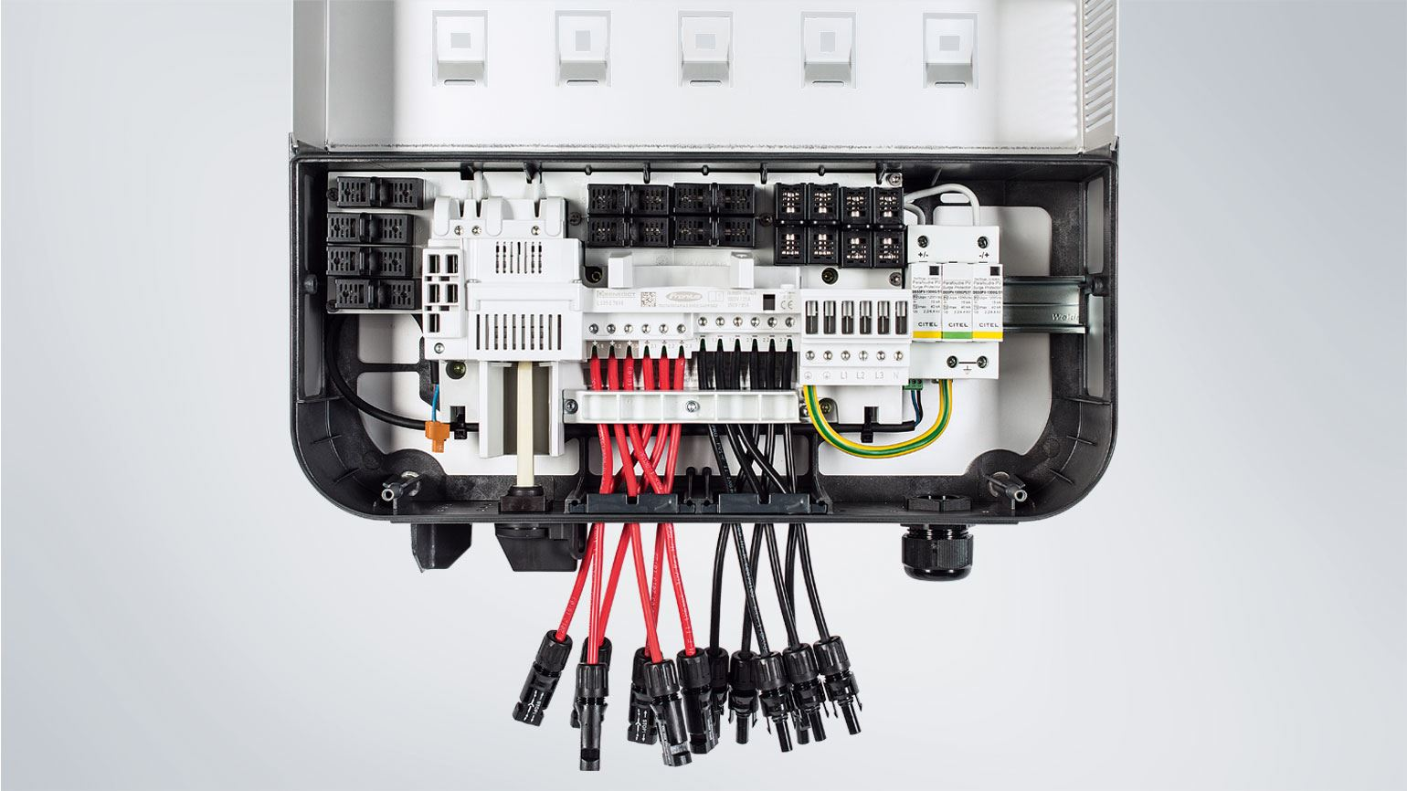 fronius inverters with integrated fuse holders